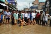 विकास की बही बयार,सड़क स्नान को जनता तैयार