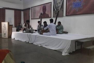देशज भाषा में कैसे हो पर्यावरण पत्रकारिता ये अनुपम मिश्र से सीखा: रवीश कुमार