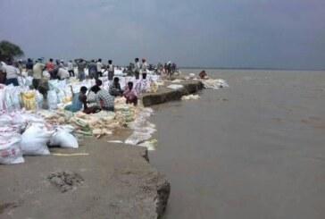 कोरोना के साथ बाढ़ की आशंका में दिन रात गुजार रहे हैं बलिया वासी